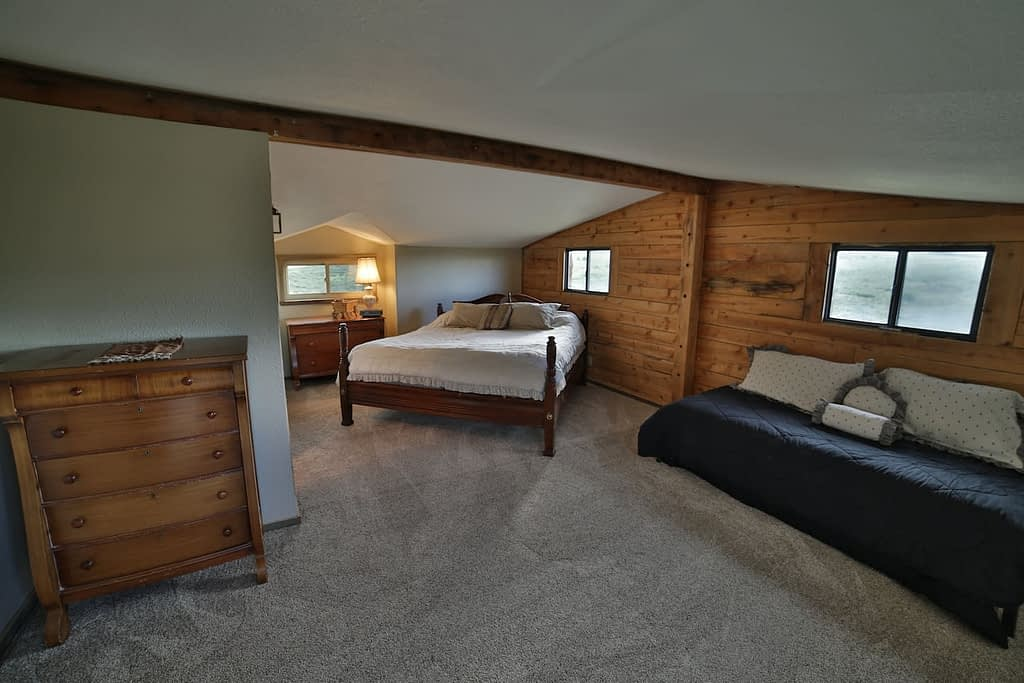 bedroom   Peak property management