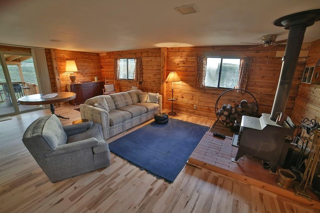 lounge   Peak property management