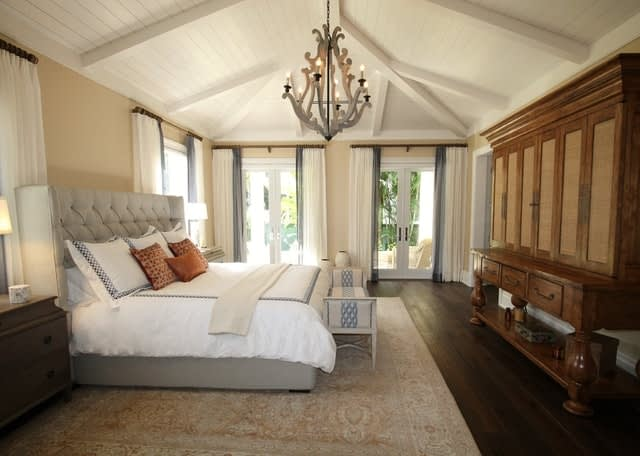 A vacation rental property with bedroom picture